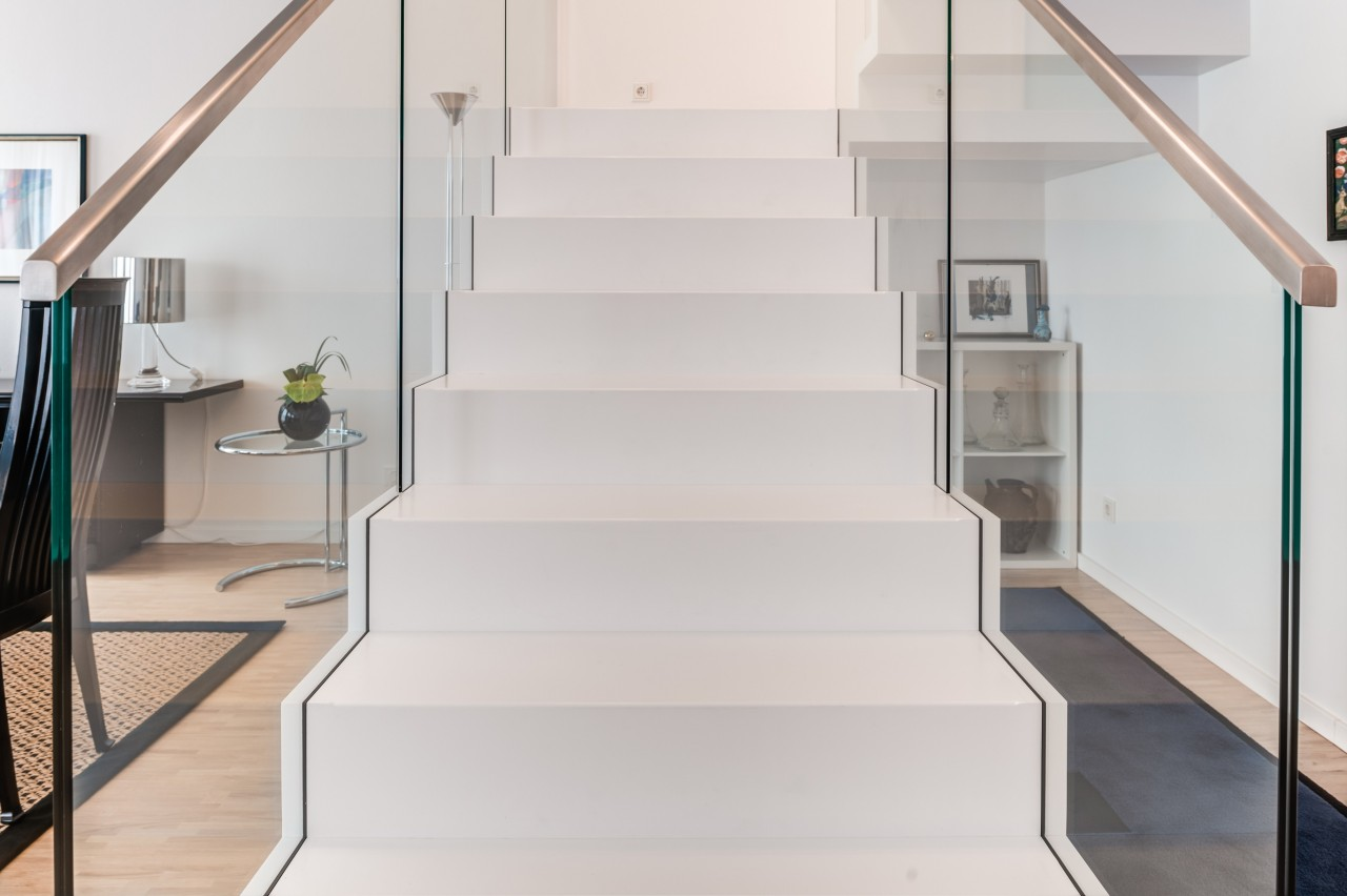 cantilevered stair corian 04